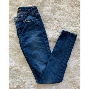 Joe's Jeans The Skinny blue wash waist 25